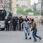 21 000 poliisia ja seitsemän kilometriä esteitä