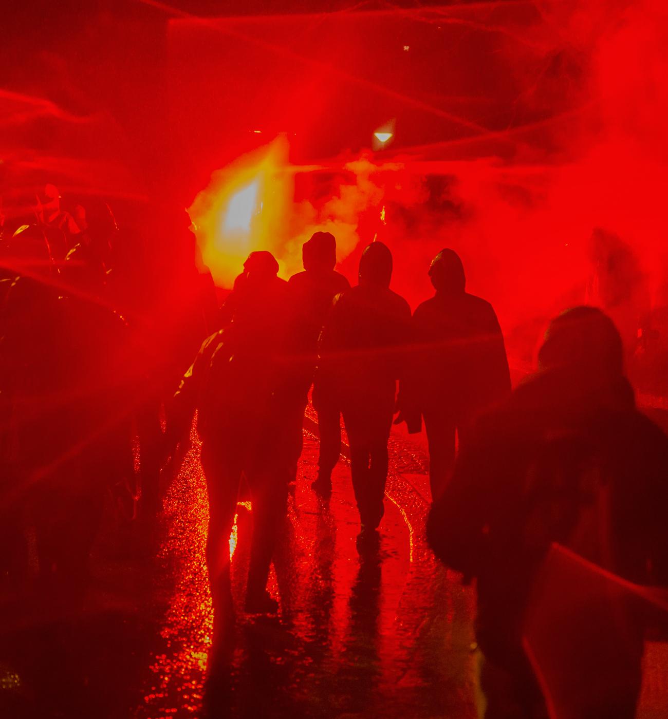 Äärioikeisto marssi ja poliisi halusi ampua